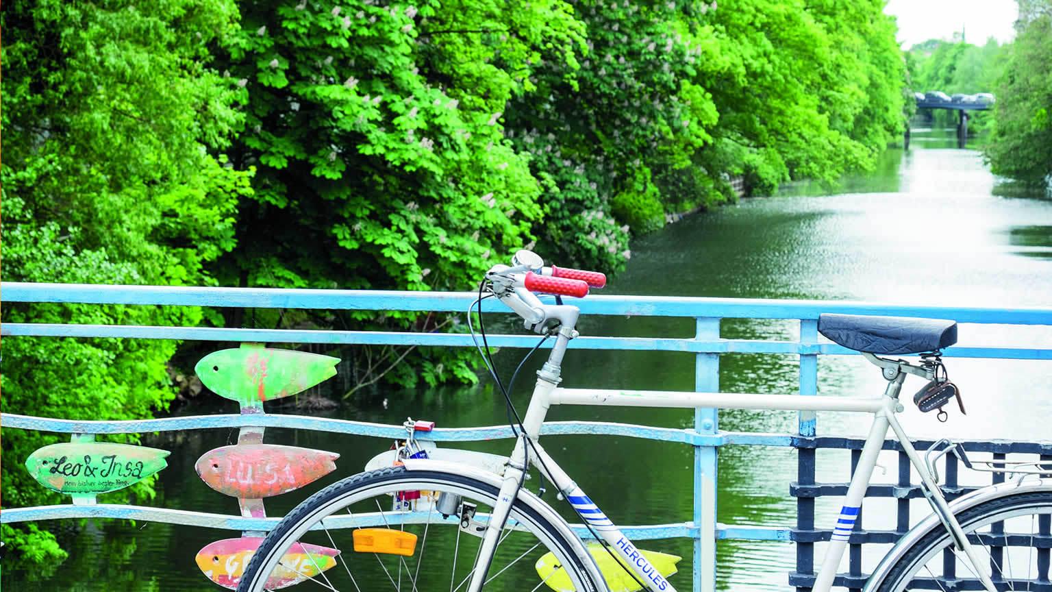 Brücke mit Fahrrad